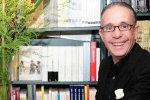 Master en Life Coach, Terapeuta Holístico, Escritor...