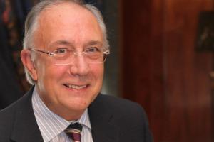 Entrevista a: Dr. Manuel Jiménez Ucero