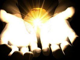 Elige aumentar tu luz y no tu oscuridad...